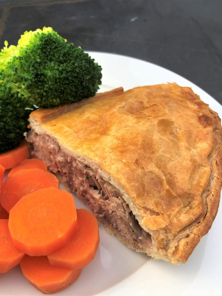 chicken-bacon-and-mushroom-pie