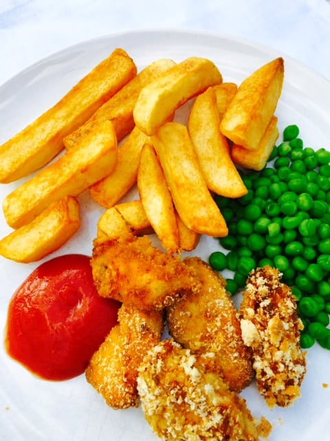 home-made-chicken-nuggets-and-chips