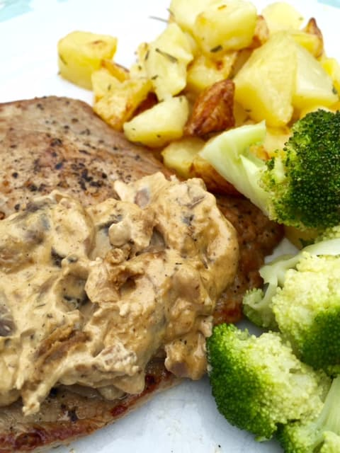 british-rose-veal-escalope-with-mushroom-sauce-and-rosemary-potatoes