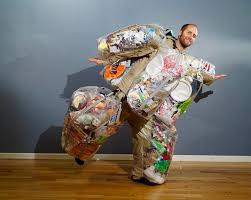 rob-greenfield-dressed-in-trash-suit