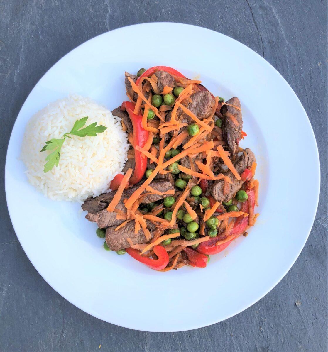 Beef-Stir-Fry-peppers-carrots-peas-rice